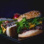 valeria-boltneva-fastfood-hamburger-overgewicht-obesitas